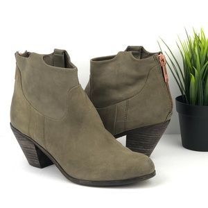 SAM EDELMAN Lisle Leather Ankle Bootie Olive 8